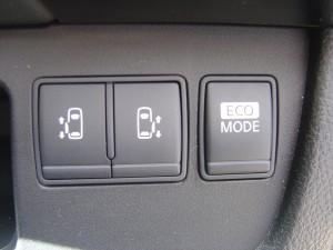 両側電動スライドドア・ECOモードスイッチ