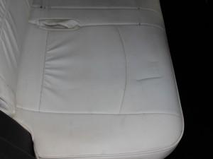 後部座席(座面)