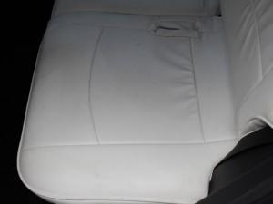 後部座席(背面)