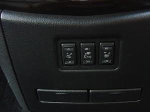 前席シートヒーター・AC100V電源スイッチ