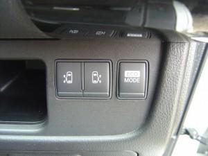 両側電動スライドドア・ECO MODEスイッチ
