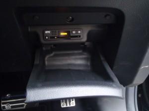 ETC、運転席右収納