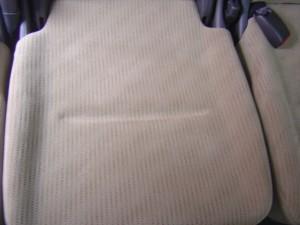 後席中央席座面