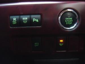 TRC・ルームランプ・クリアランスソナー・AFS・フロントガラス熱線スイッチ、エンジンスタートボタン