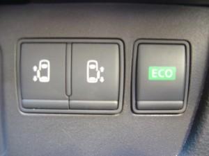 両側電動スライドドアpECOスイッチ