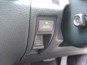 AUTOパーキングブレーキスイッチ