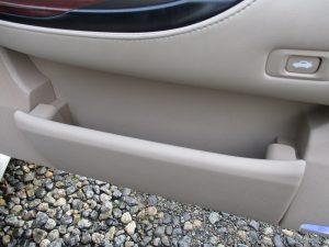 運転席ドア収納