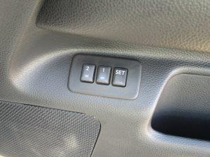 運転席シートメモリー