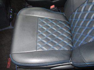 助手席側座面