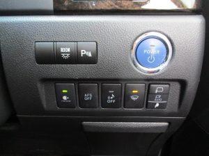 エンジンスタートボタン、クリアランスソナー、ナノイー、AFS、車輌接近通報装置、フロントガラス熱線スイッチ