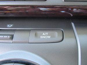 SNOWモードスイッチ