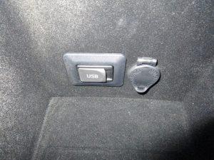 USB端子・パワーアウトレット