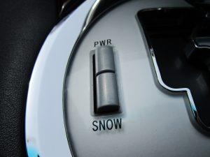 POWER・SNOWモードスイッチ