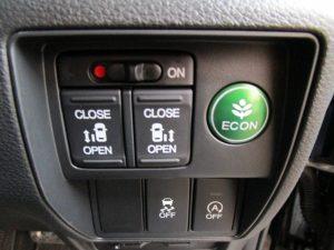 両側電動スライドドア、ECON、VSA、アイドリングストップスイッチ