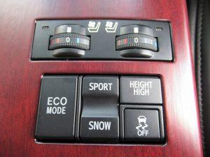 前席シートエアコン・ECO・SPORT/SNOW・ハイトコントロール・TRCスイッチ