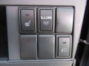運転席シートヒーター・イルミ・フォグランプスイッチ