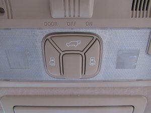 両側電動スライドドア、電動リアゲートスイッチ