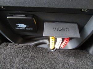 AC100Vコンセント、ビデオ入力端子