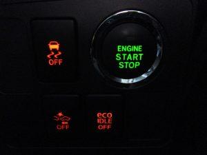 TRC・衝突被害軽減ブレーキ・ecoIDLEスイッチ・エンジンスタートボタン
