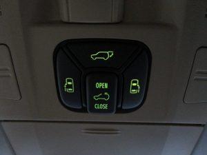 電動リアゲート、両側電動スライドドア、サンルーフスイッチ