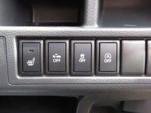 運転席シートヒーター・DCBS・ESP・アイドリングストップスイッチ