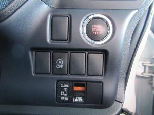 エンジンスタートボタン、i-stop、電動スライドドアスイッチ