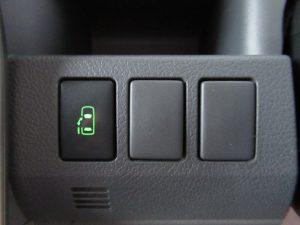 電動スライドドアスイッチ