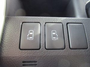 両側電動スライドドアスイッチ
