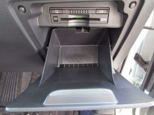 ETC、運転席下収納