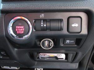 エンジンスタートボタン・トランクオープン・VDCスイッチ・ETC