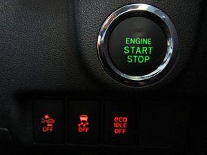エンジンスタートボタン、スマートアシスト、TRC、ecoIDLEスイッチ