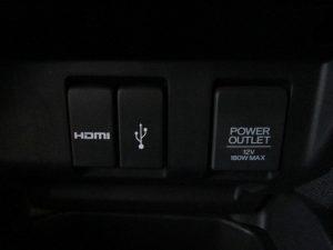 HDMI・USB端子、パワーアウトレット