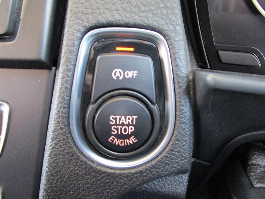 アイドリングストップ・エンジンスタートボタン