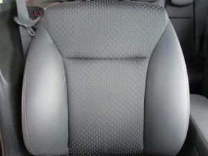 運転席背面