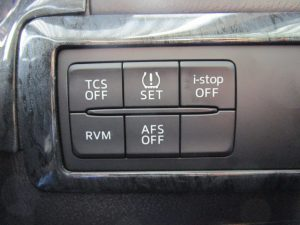 TCS・タイヤ空気圧・i-stop・RVM・AFSスイッチ