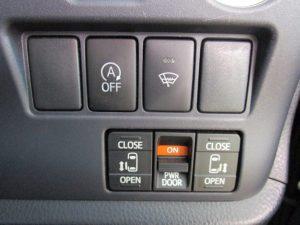 i-stop、フロントガラス熱線、両側電動スライドドアスイッチ