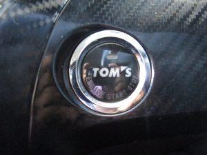 TOM'Sエンジンスタートボタン