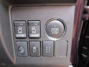 電動スライドドア、プッシュスタート、プリクラッシュセーフティー、ESC、ECOIDLEスイッチ