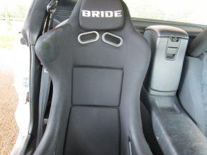 運転席背面(BRIDEフルバケ)