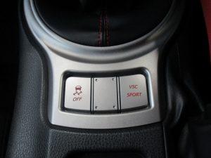 横滑り防止装置、VSCスイッチ