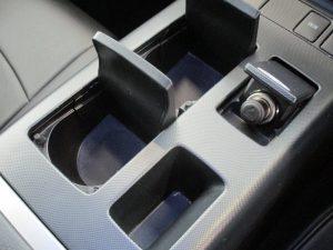 ドリンクホルダー、12V電源