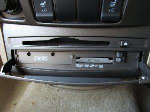HDD、メディア挿入口
