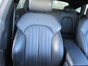 運転席(背面)