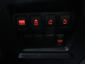 ECOモード、横滑り防止装置、電動スライドドアスイッチ