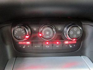 エアコンパネル、シートヒータースイッチ