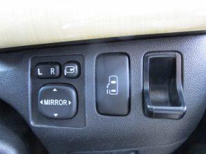 電動ミラー、電動スライドドアスイッチ