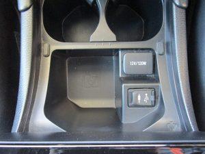 12V電源、AUX、USB