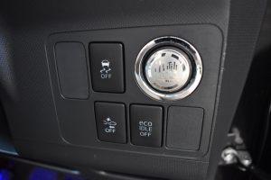 横滑り防止装置、プッシュスタートボタン、スマートアシストスイッチ