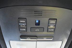 サンルーフ開閉スイッチ