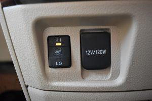 助手席シートヒーター、12V電源
